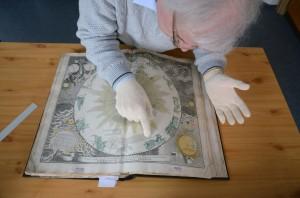 A Homann-atlasz restaurálása Szolnokon