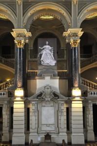 Felavatták a Justitia-szobrot ábrázoló molinót a Néprajzi