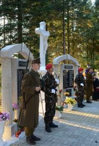 Világháborús emlékmûvet avattak a Vas megyei Nádasdon