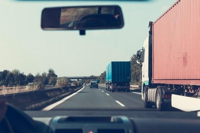Mit kell tudnod, hogy fuvarozási vállalkozást indíthass az EU-ban?
