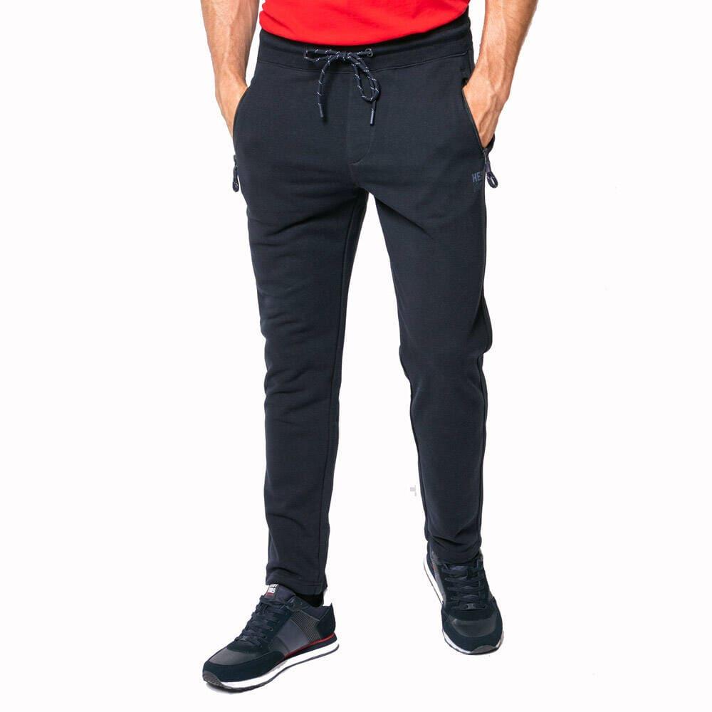 Kényelmes viselet az Adidas melegítő nadrág